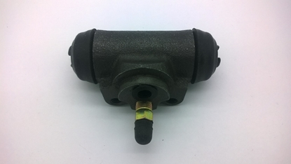 """Picture of Brake Cylinder Rear Left  """"V"""" Series Models"""